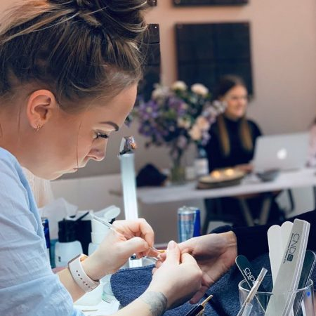 nail it by MM forside prisliste booking om mig booking